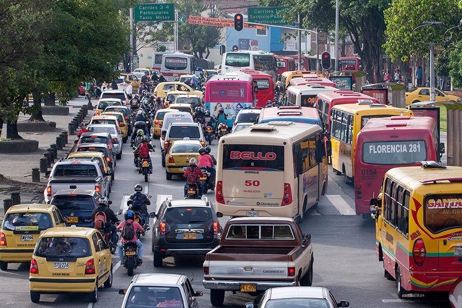 Freno a la reorganización de buses