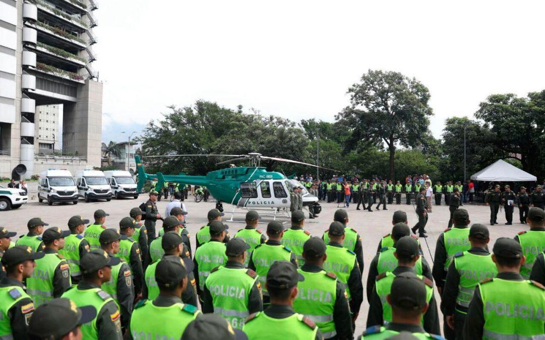 Helicóptero con alta tecnología refuerza seguridad en Medellín