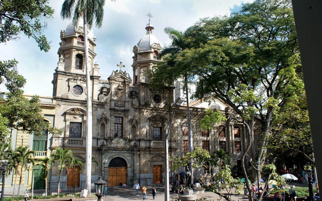 El reloj de la Iglesia de San Ignacio de nuevo dará la hora