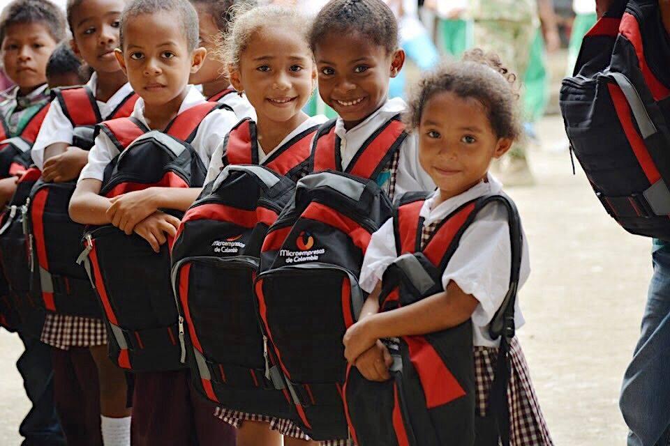 Más de 20.000 kits escolares entregará Microempresas de Colombia