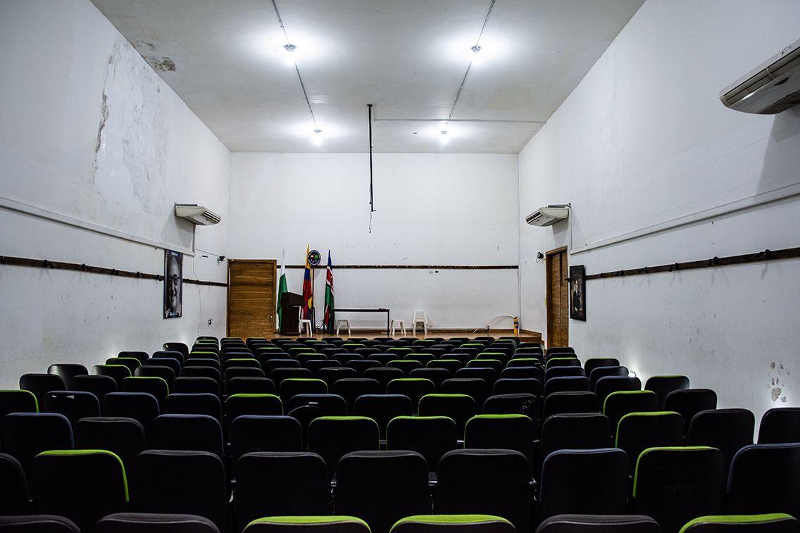 Al colegio Héctor Abad Gómez le urge una reparación estructural