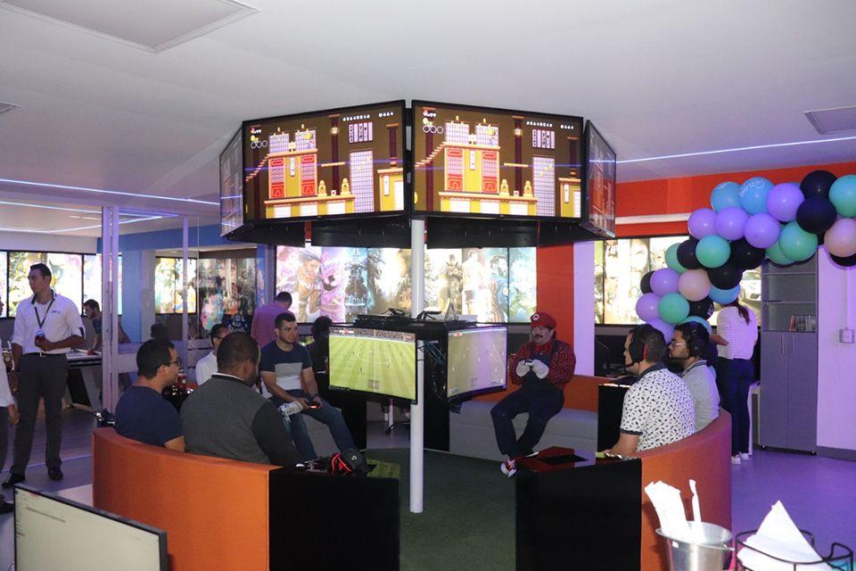 Grupo Réditos inaugura sala gamer para sus empleados