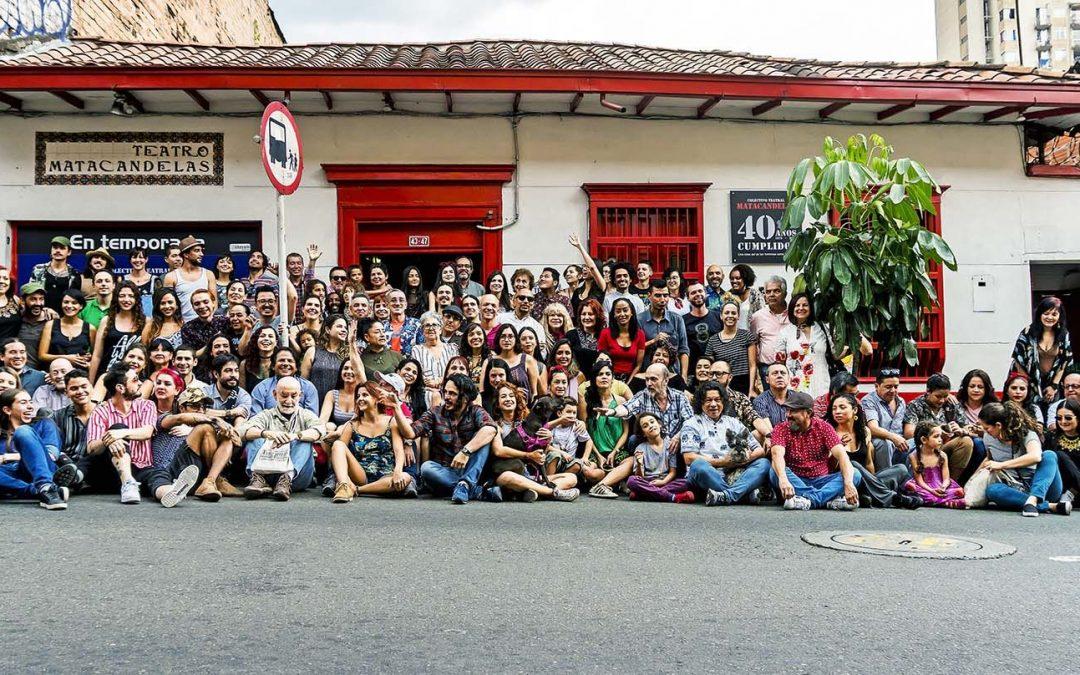 Matacandelas: 40 años vibrando con el amor por las tablas