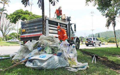 No arroje sus escombros en el espacio público, ¡es ilegal!