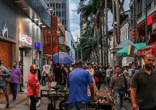 Pasaje Junín: saturado de ventas ambulantes y con nueva intervención