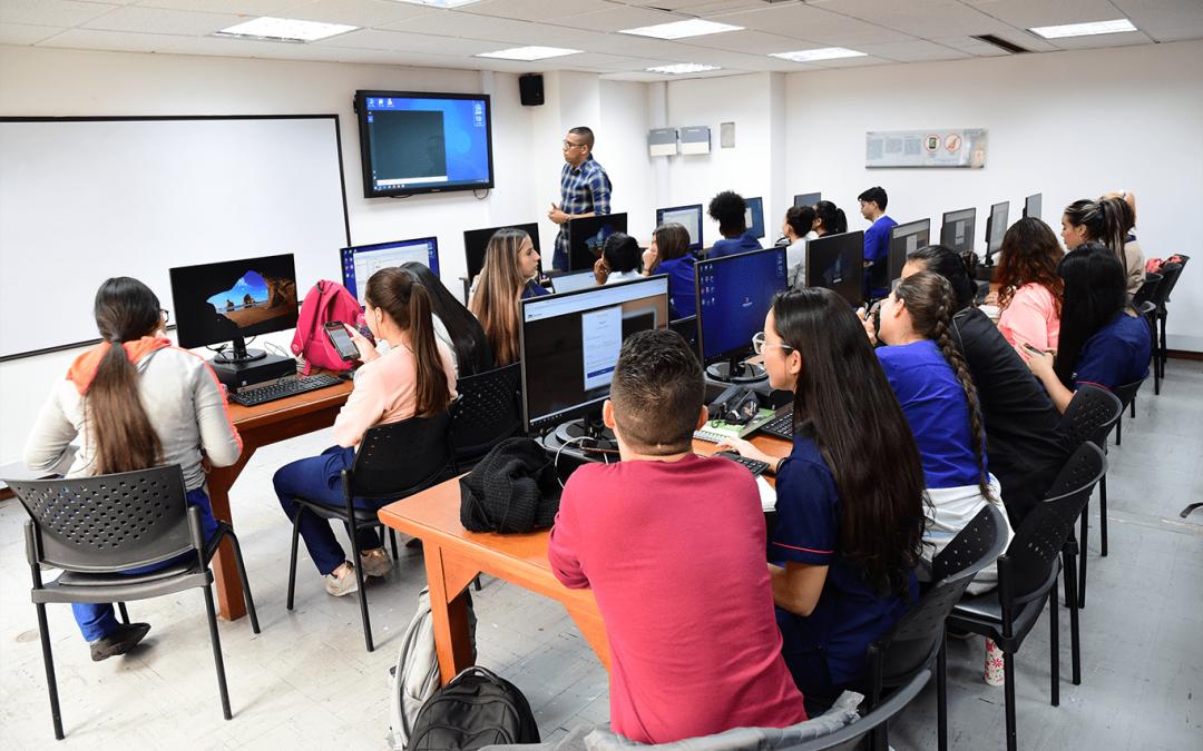 En Medellín se acerca el regreso a clases presenciales