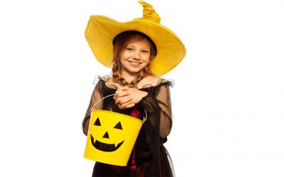 Cuide y proteja a sus niños en el Día de los Disfraces