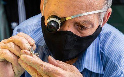 Vestigios del tiempo:relojeros y anticuariasdel centro de Medellín