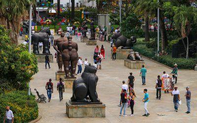 Se unen esfuerzos para recuperar Plaza Botero