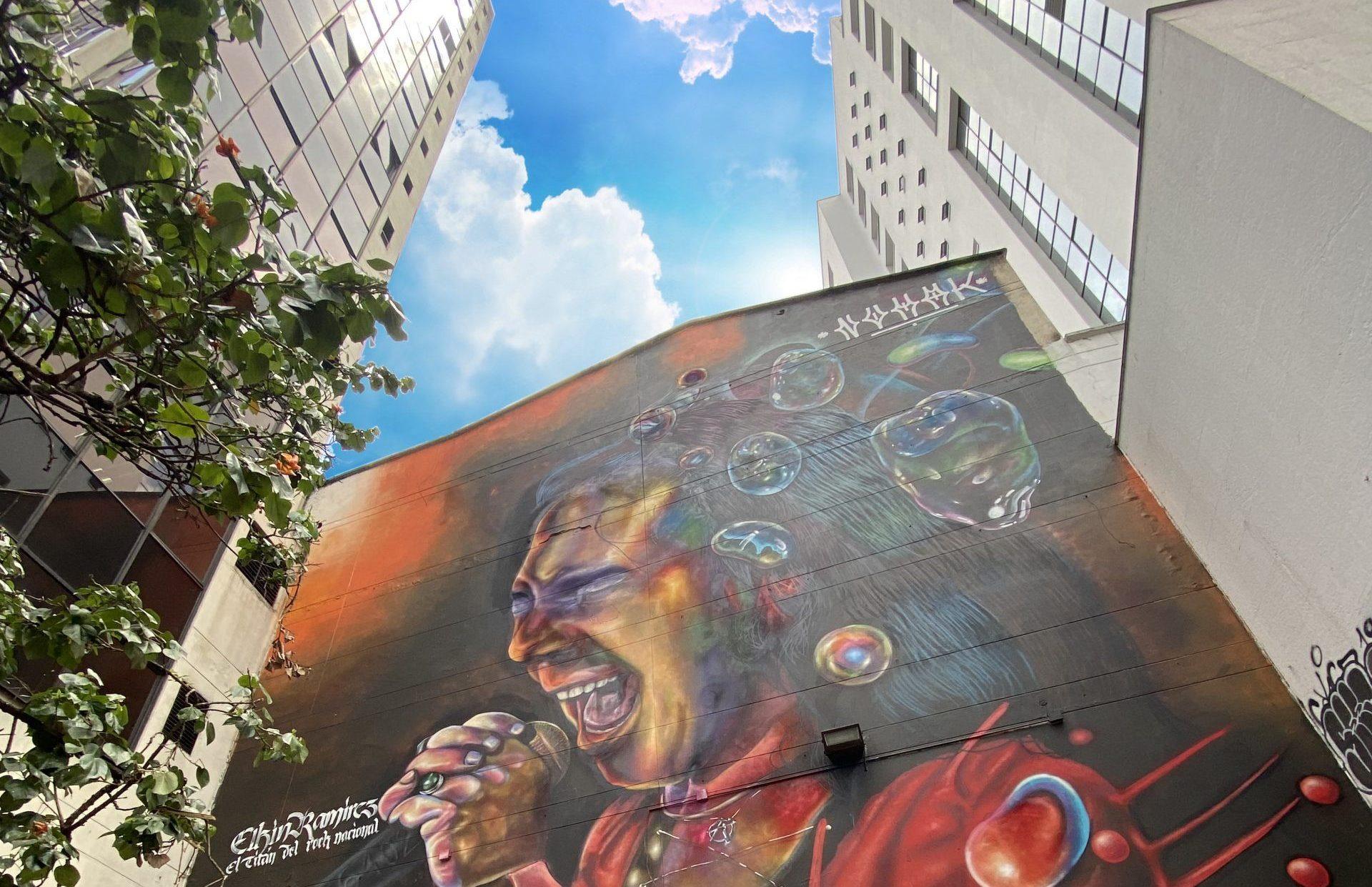 El titán elkin mural