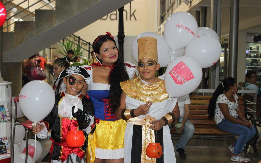 Manténgase seguro y disfrute con sus hijos la fiesta de Halloween